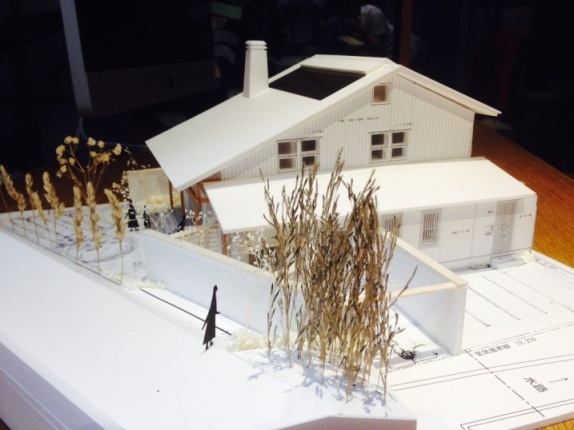 暖炉のある家 模型