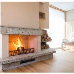 『薪ストーブや暖炉のある暖かな家60選』